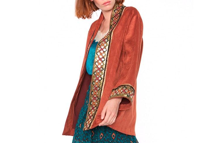 Kimono de antelina en color caramelo de Kabán Lahun