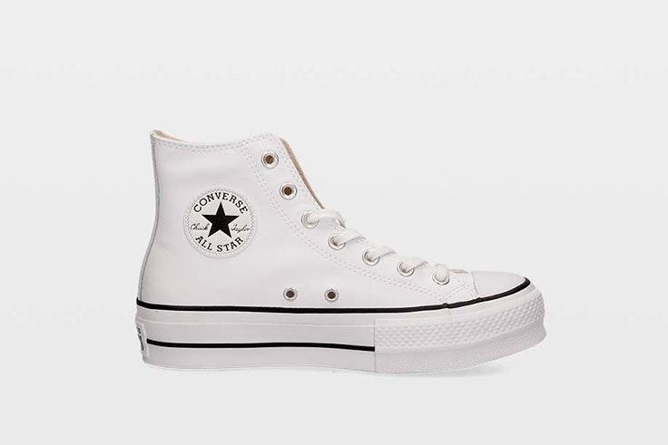 Zapatillas Converse blancas con plataforma. Disponibles en Ulanka