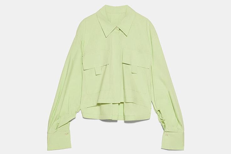 Camisa de popelín en color verde con detalle de bolsillos novedades de zara primavera verano