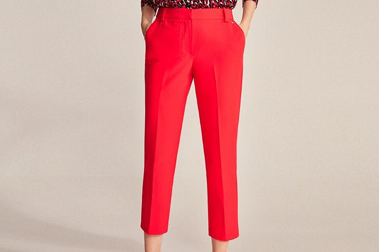 Pantalón rojo de traje de Cortefiel