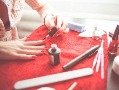 cómo-pintarse-las-uñas-tú-sola