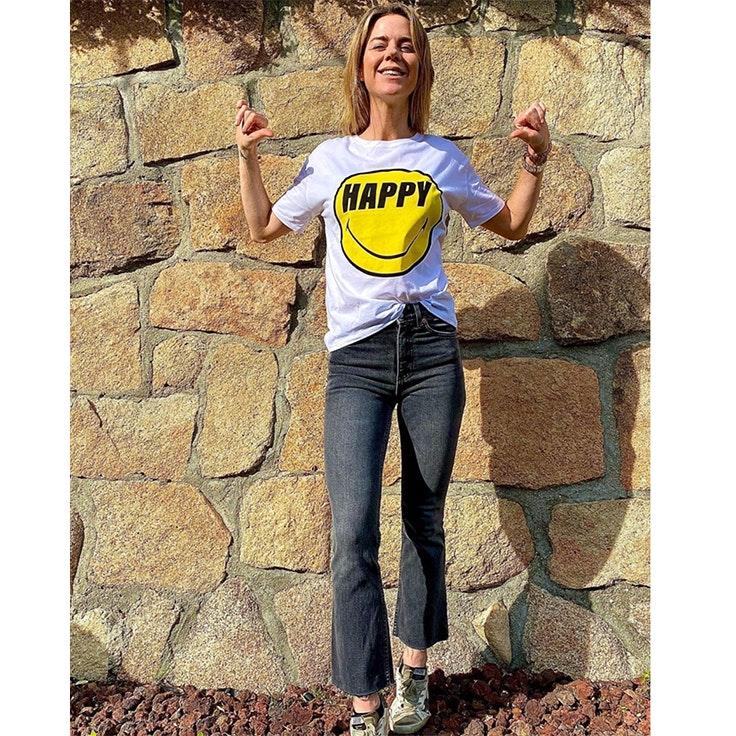 amelia bono looks para estar por casa positivo camiseta con mensaje