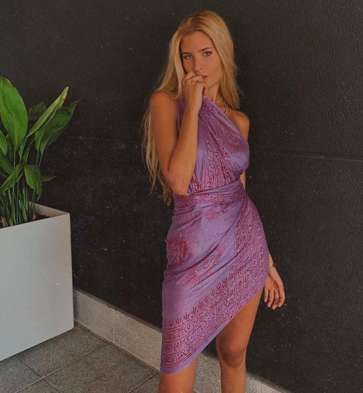Teresa Andrés con vestido playero