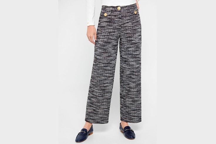Pantalón de punto en tonos azules y blancos de Cortefiel