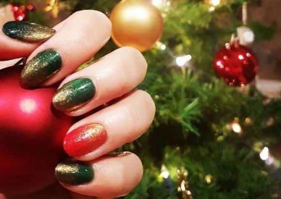 Manicura roja y verde Navidad
