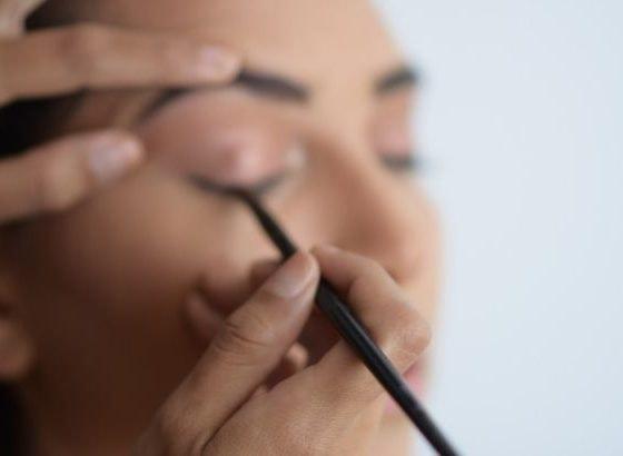 tipos delineador de ojos