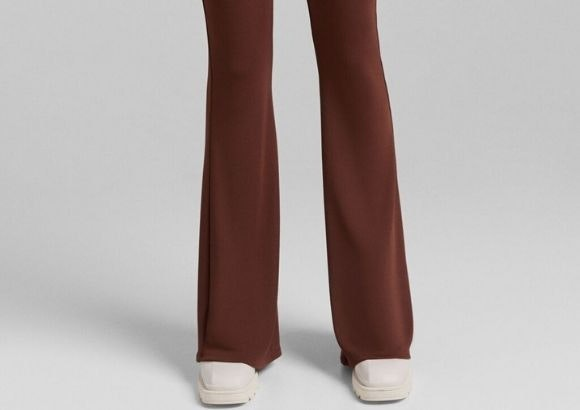 pantalones pitillo campana