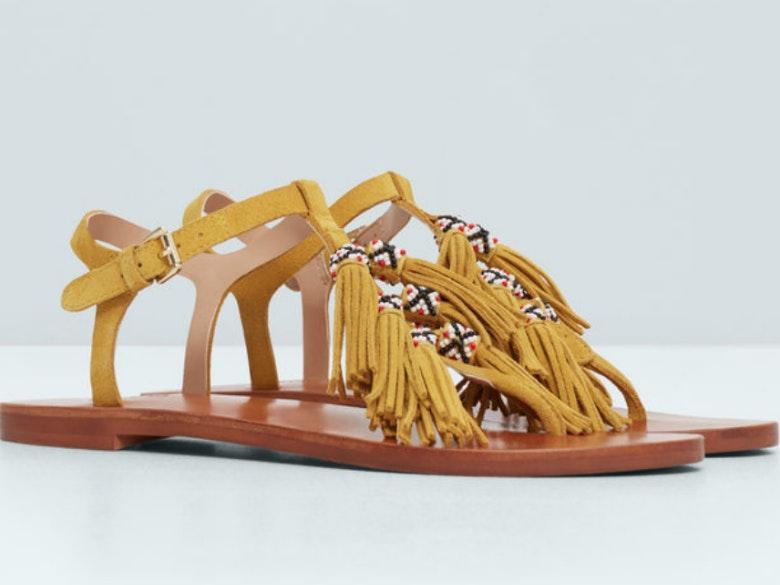 15fd567c8c Do trabalho para a praia  as sandálias rasas mais fashion