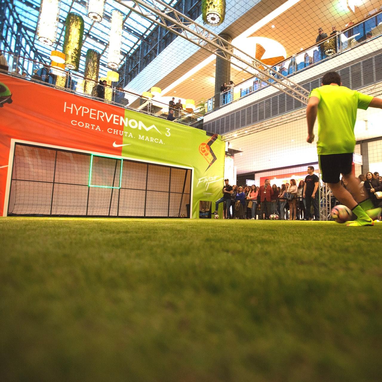 Testa as novas botas #Hypervenom da @NikeFootball
