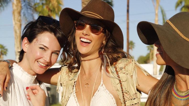 Coachella: cabelos e maquilhagem