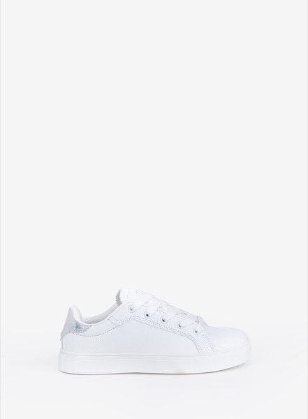 Sneakers Tiffosi, antes a 25,99€ e agora a 15,99€