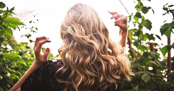 Truques para um cabelo saudável durante o verão