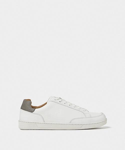 Sneakers Zara, antes a 39,95€ e agora a 19,99€