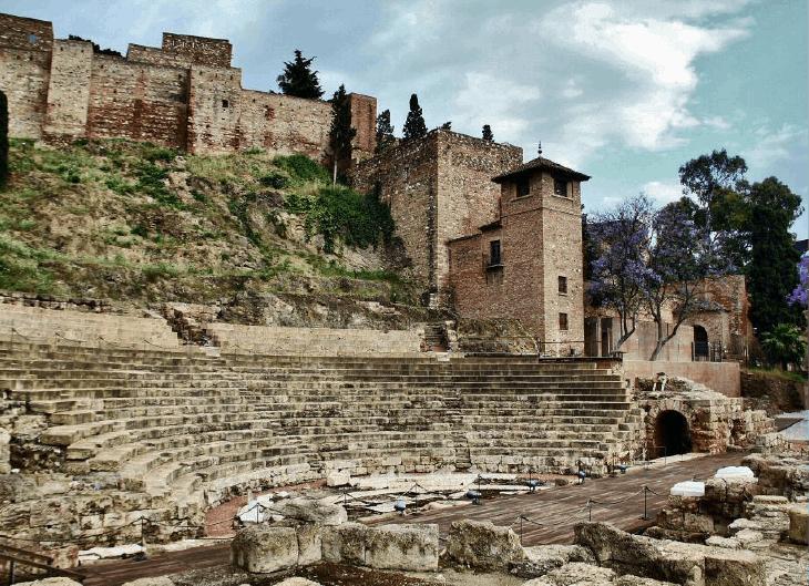 Un día en el teatro romano de Málaga