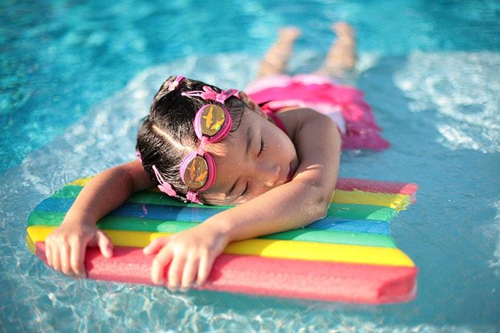5 beneficios de la natación para los niños