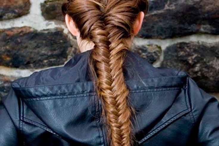 trenza de espiga entre los 10 peinados con trenzas