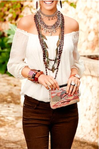 Collares largos: el accesorio que nunca pasa de moda