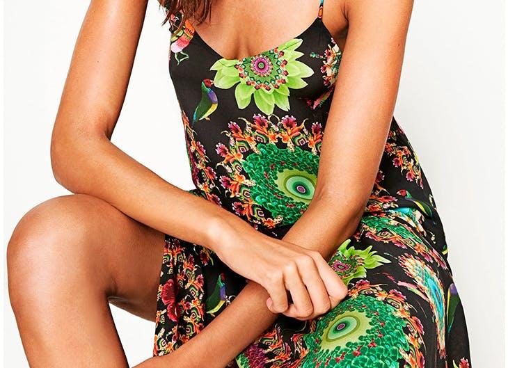 Descubre 5 outfits con vestidos largos para tus vacaciones