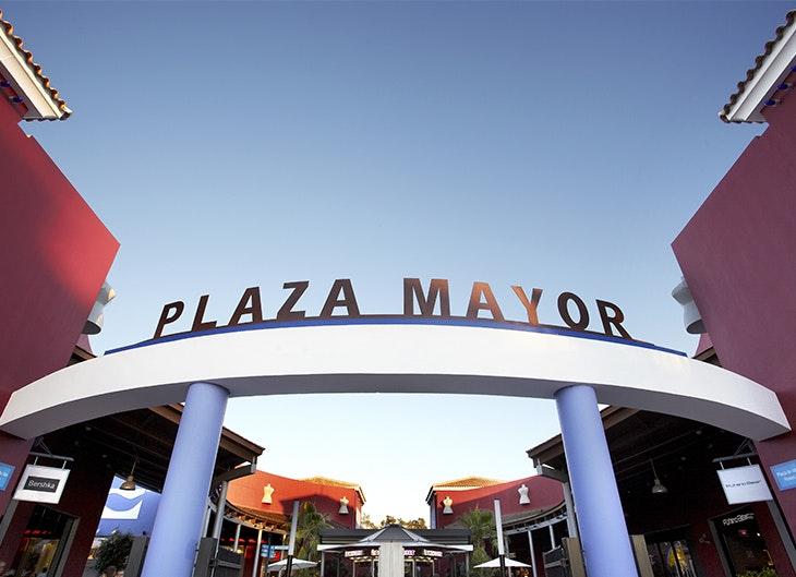 Celebra la Asunción de la Virgen con el CC Plaza Mayor