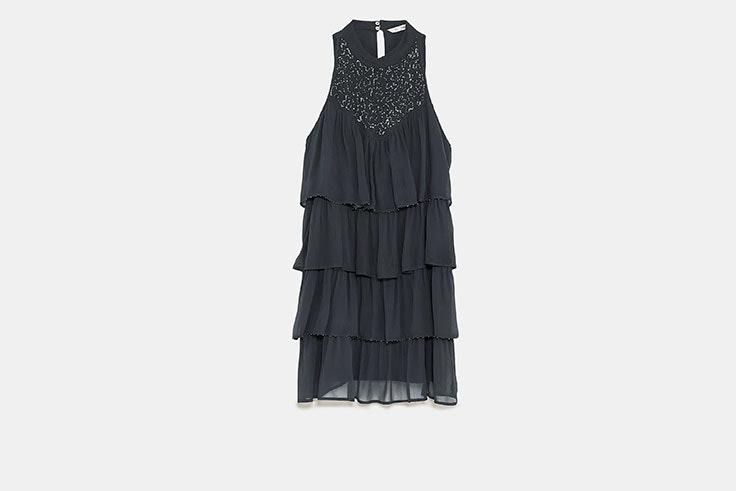 Ideas de looks de invitada con vestidos de boda cortos