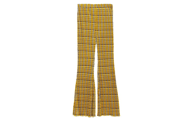 Tendencia de pantalones flare en Zara