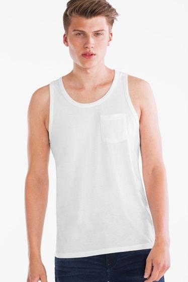 camiseta blanca C&A