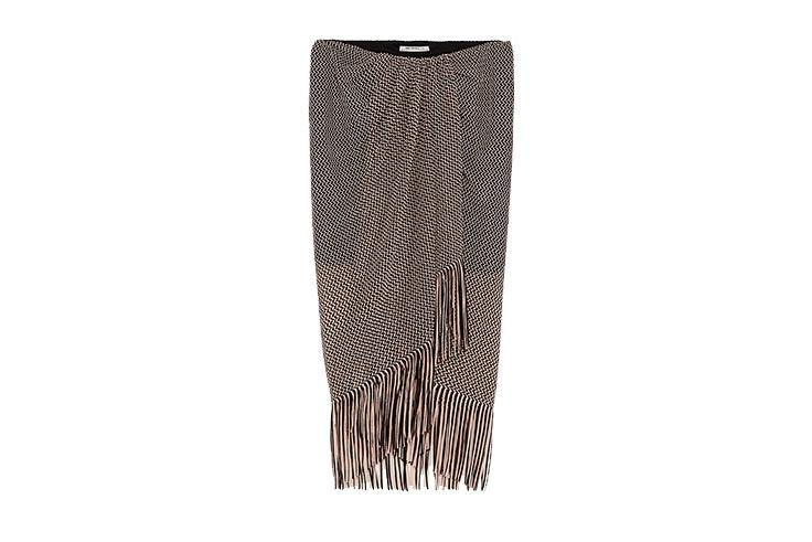 Tendencia de faldas pareo en Zara con flecos