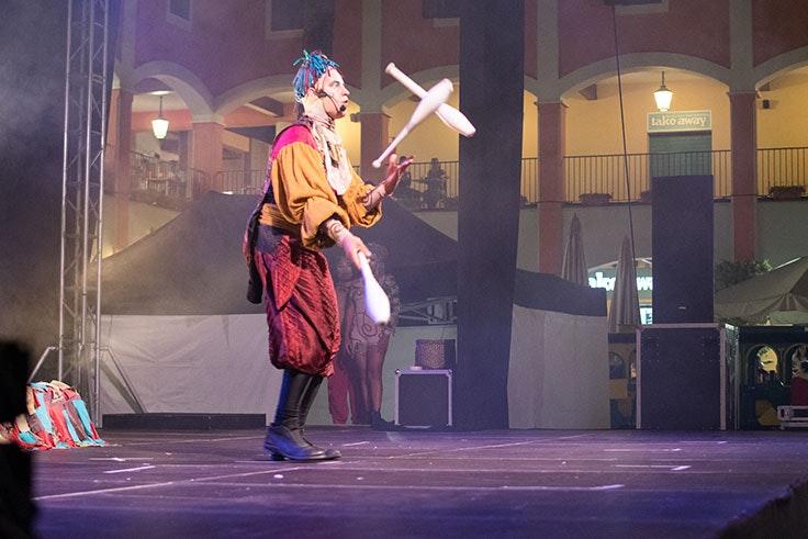 Malabares circo contemporáneo