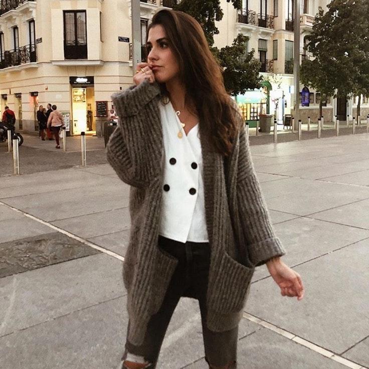 mery-turiel-chaqueta-de-punto-gris-cardigan