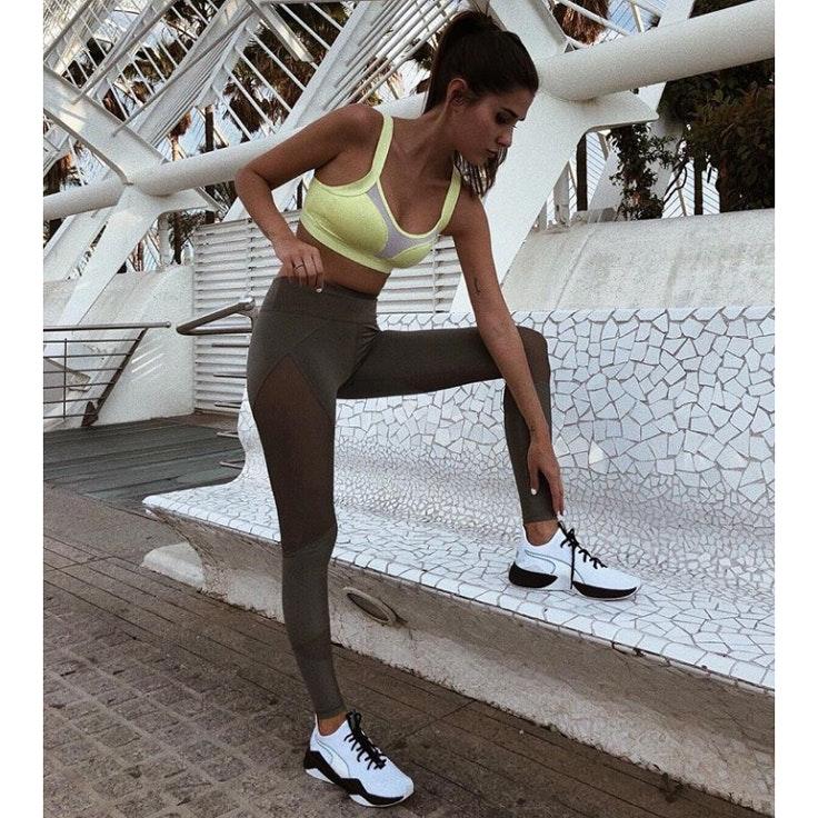 mery-turiel-zapatillas-blancas-deporte