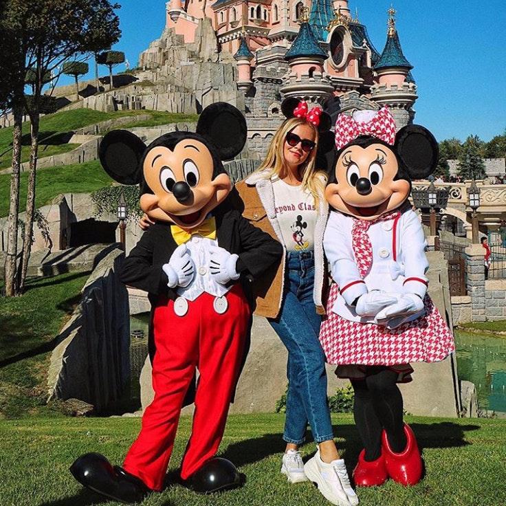 valentina-ferragni-mickey-minnie-mouse-stradivarius