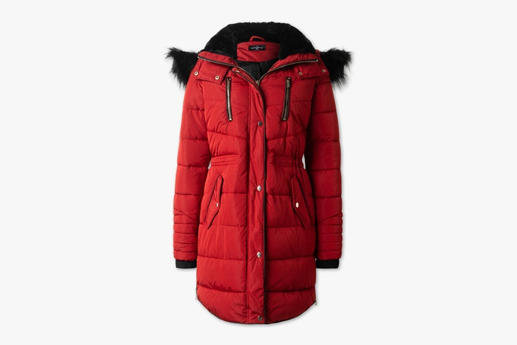 abrigo-plumifero-acolchado-color-rojo-detalle-negro-cya