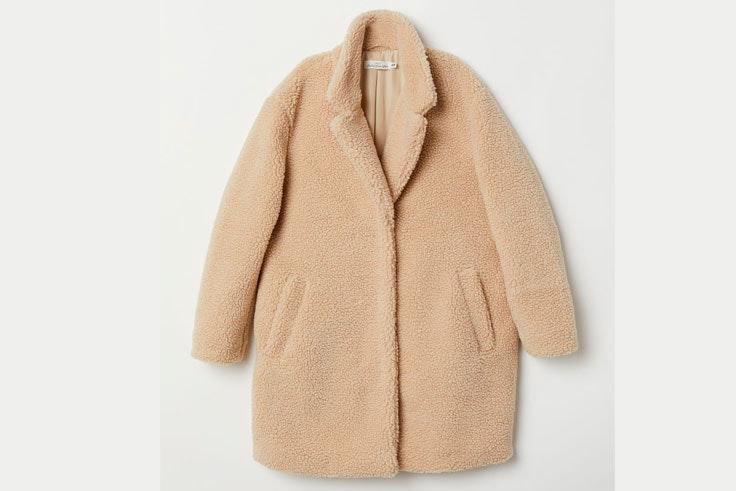 borreguito-beige-abrigo-solapa-hm