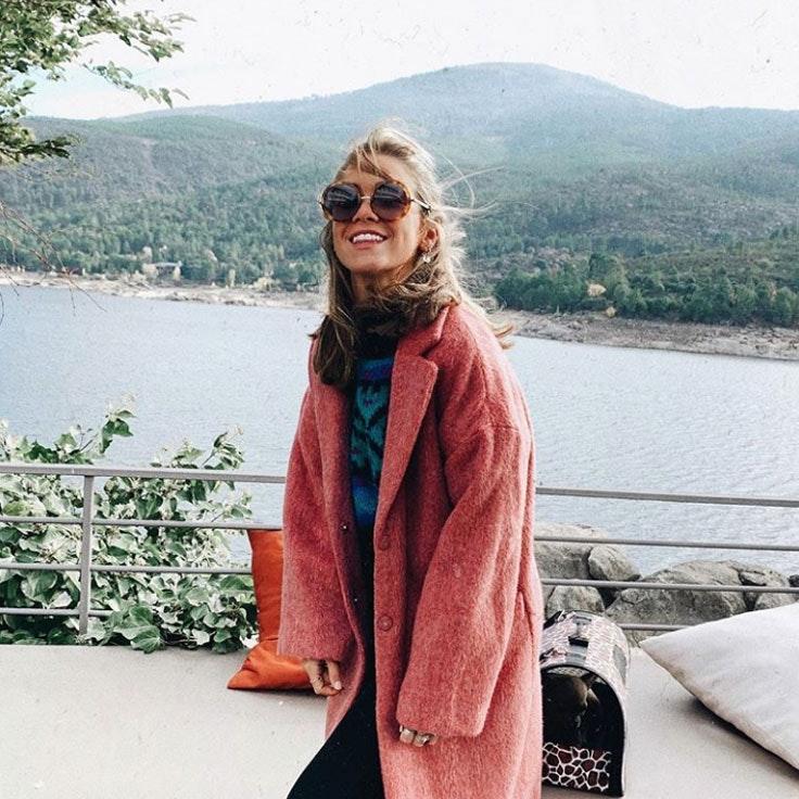 carlota-weber-abrigo-rosa-borreguito
