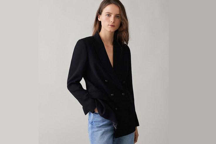 chaqueta-americana-tipo-blazer-color-negro-massimo-dutti
