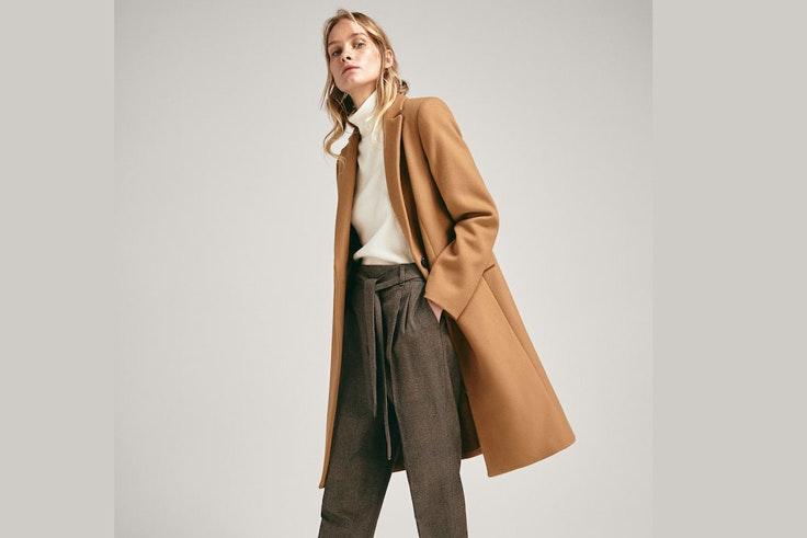 abrigo-largo-liso-lana-color-camel-massimo-dutti