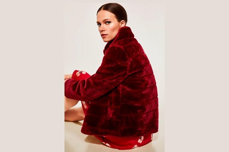 abrigo-pelo-rojo-ropa-de-invierno-cortefiel