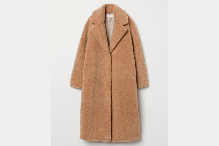 abrigo-peluche-borreguillo-color-camel-hm