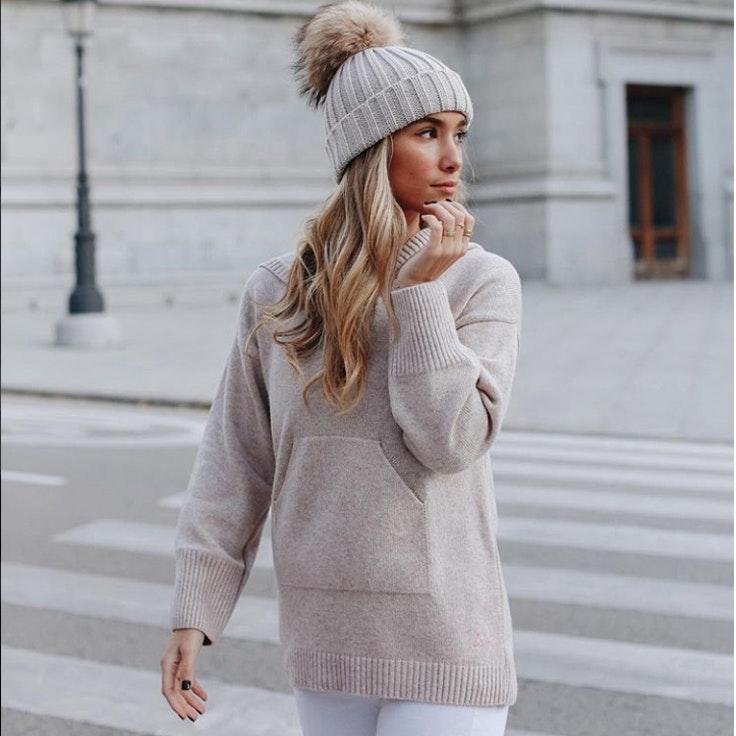 maria-pombo-jerseis-blancos