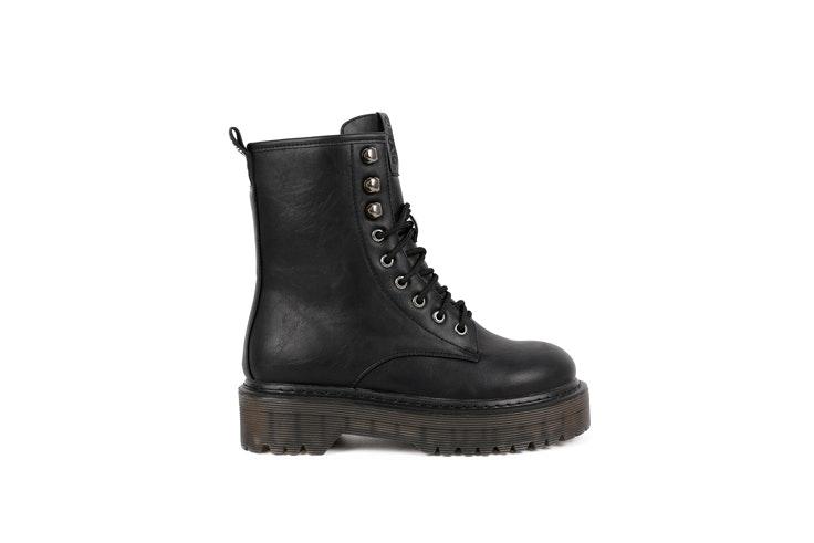 botas-negras-plataforma-acordonadas-chika10