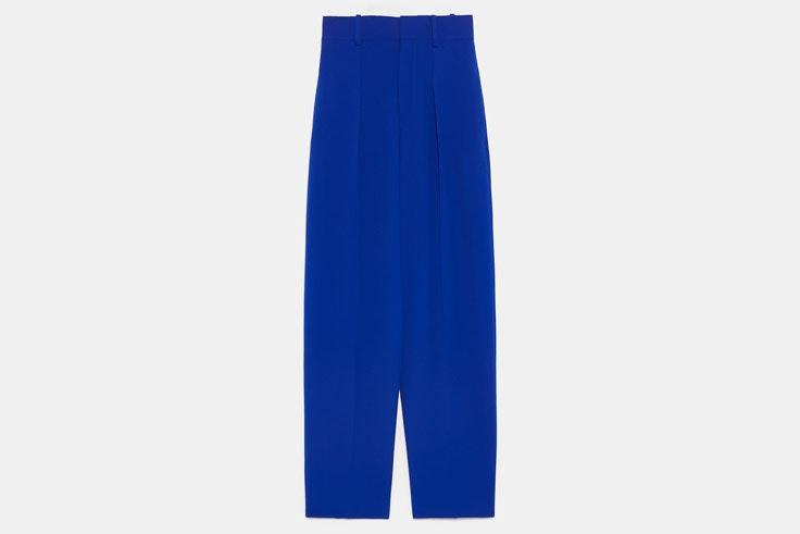 pantalon-pinzas-azul-electrico-zara