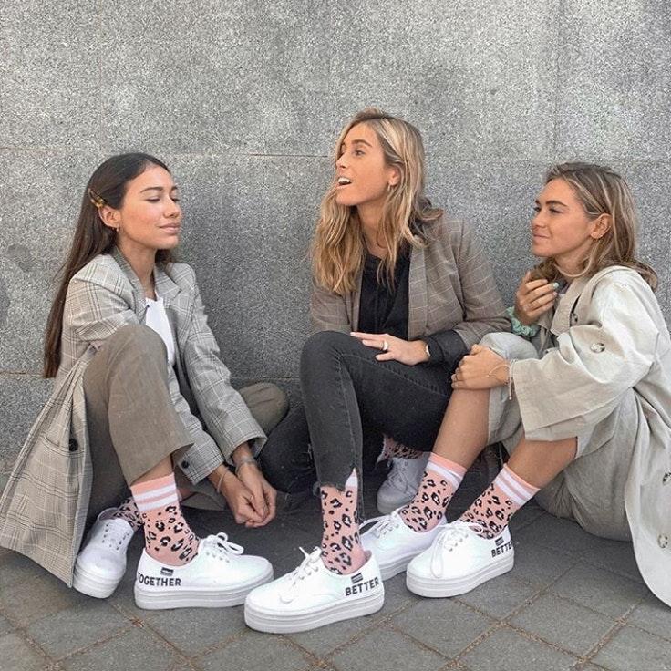 calcetines-estampado-claudia-parrast-melissa-villarreal-carlota-weber-calzedonia-plazamayor