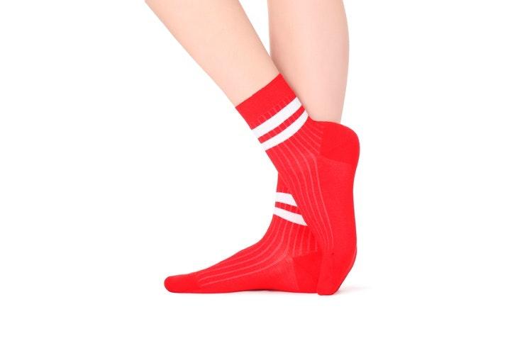 calcetines-estampado-rojo-rajas-calzedonia-2-plazamayor