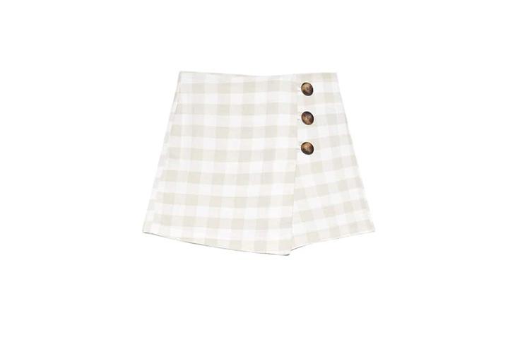 falda-corta-estampado-vichy-color-beige-stradivarius