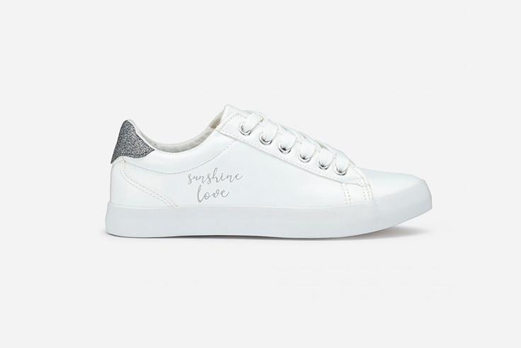 zapatillas-blancas-detalle-mensaje-marypaz
