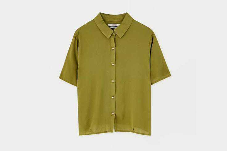 camisa-manga-corta-color-verde-pull-and-bear