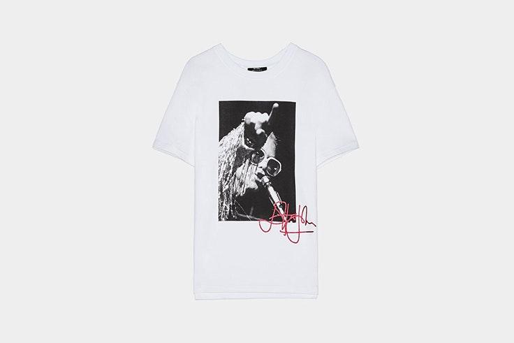 Camiseta básica con imagen de Bershka