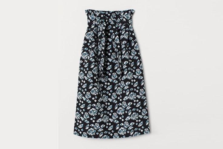 falda-negra-estampado-flores-hm