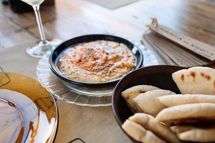 Los-mejores-platos-de-El-Kiosko-hummus