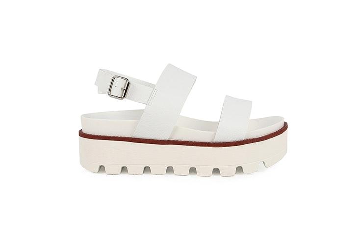 sandalia-plataforma-blanca-chika10